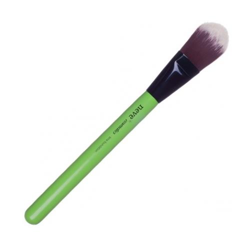 pennello-a-lingua-di-gatto-lime-foundation-neve-cosmetics