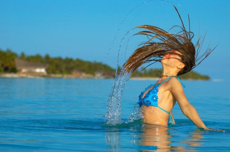 Come proteggere i capelli dal sole quest'estate!