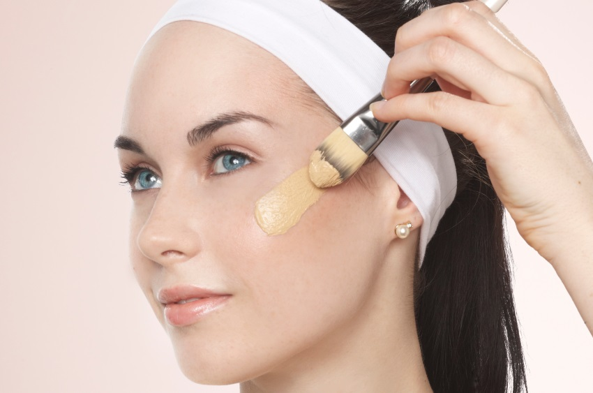 Contouring viso con prodotti eco bio