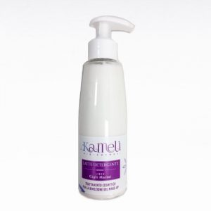 Latte detergente e struccante per tutti i tipi di pelle