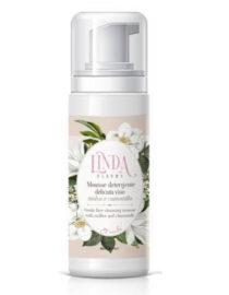 La Mousse detergente delicata viso Et Voilà Linda Fleurs è una mousse per la pulizia quotidiana della pelle.